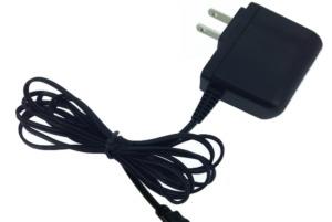 「マイルームロビ」に使えるACアダプター、使えば常に「マイルームロビ」を動かすことができ、電池を変える心配はなくなります。