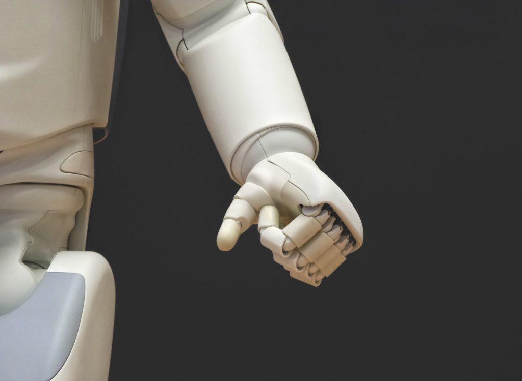 SF映画の中で、強力なアイテムとして描かれてきた「パワードスーツ」。近年は介護や軍事、荷物の運搬など現実社会でもパワードスーツが研究されており、実用化まであと一歩のものもあります。そこで、パワードスーツが印象的に描かれている映画のおすすめをまとめました。「こんなハイテクな未来がもうすぐ来るかも?」と想像しながら観てみましょう。