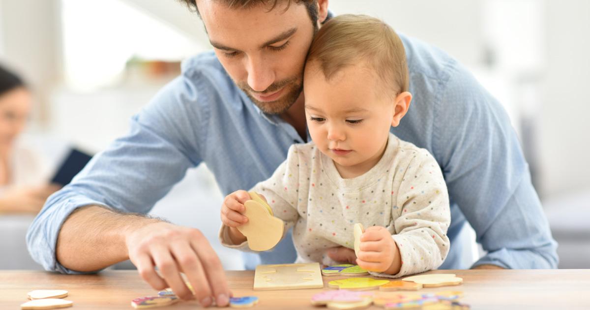 ジグソーパズルはコミュニケーションツールとして使うこともできます。 親子や兄弟、友達といった身近な人たちと一緒に取り組むことで、自然と親密さが深まるでしょう。